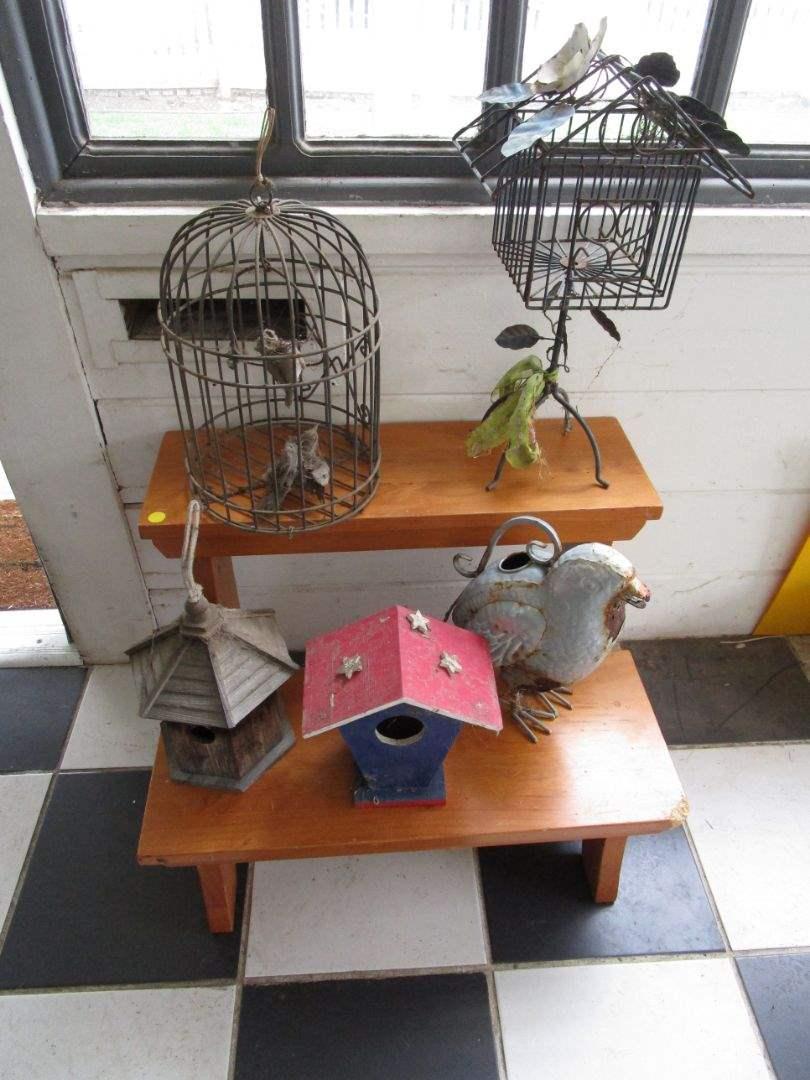 Lot # 4 - Garden items & Step Stool (main image)