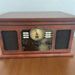 Lot# 29-Victrola 6-IN-1 Turntable w/Vintage Vinyl Records/Cassettes