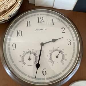 Lot# 48-Framed/Unframed Pictures/Clock