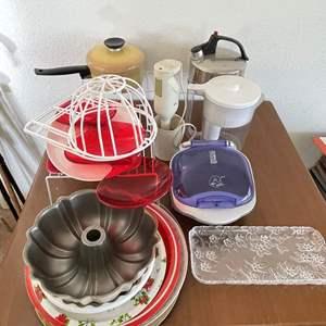 Lot# 51-Kitchen Items