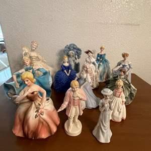 Lot# 72-  Vintage Ceramic Figurines