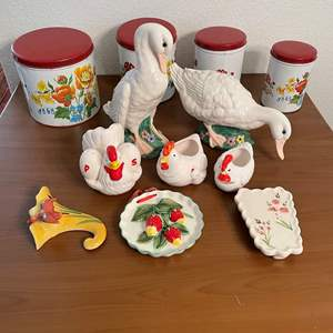Lot# 83- Vintage PARMECO Parker Metal Decoration Company Flower Print Canisters, Ceramic decorations
