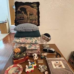 Lot# 96- Home Decor & Goods