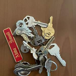 Lot# 121- Collection of Keys