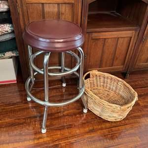 Lot# 123-Vintage Retro Bar Stool/Wicker Basket