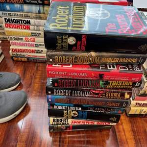 Lot# 130- Robert Ludlum Harcover Large Book Collection