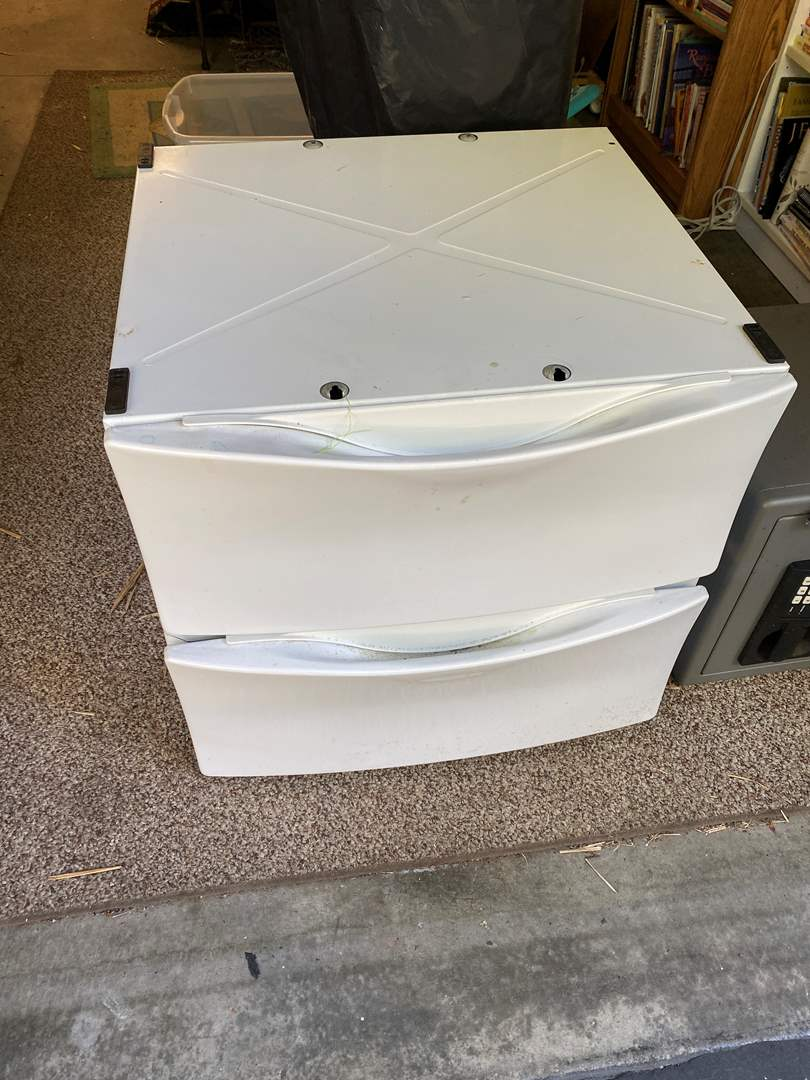 Lot # 32 - Washer/Dryer Stands/Drawers (main image)