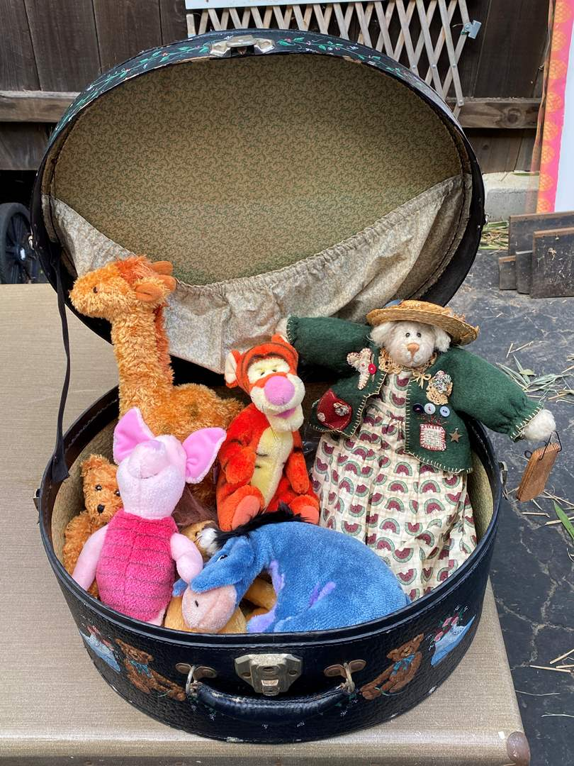 Lot # 63 - Hat box with vintage stuffies (main image)