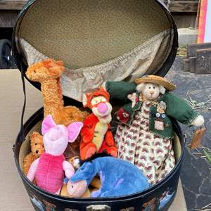 Lot # 63 - Hat box with vintage stuffies