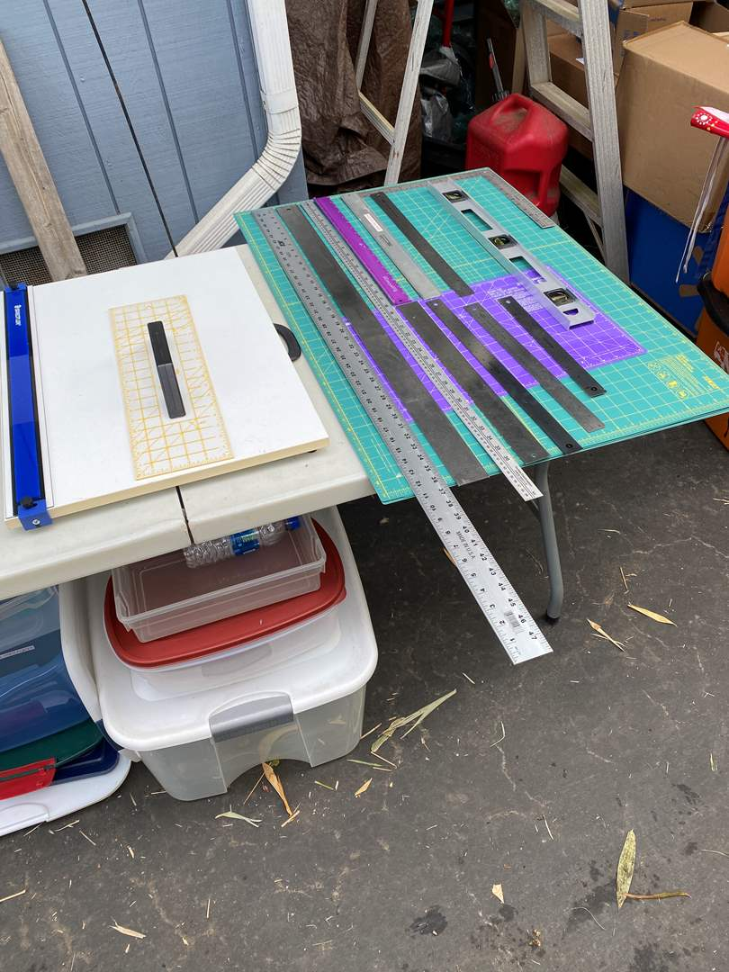 Lot # 65 - Cutting surfaces & mat cutters (main image)