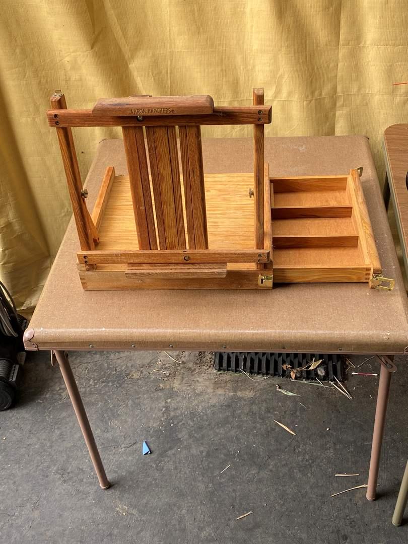 Lot # 70 - Plein Air Table Top Easel (main image)