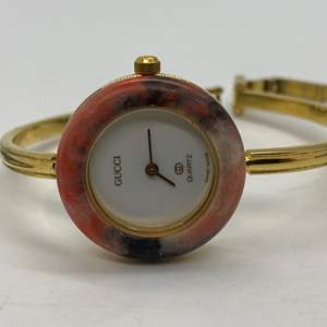 Lot # 91 - GUCCI 1100-L Bracelet Interchangeable Bezel Watch - Circa 1980's