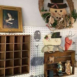 Lot # 153 - Wall Decor Items
