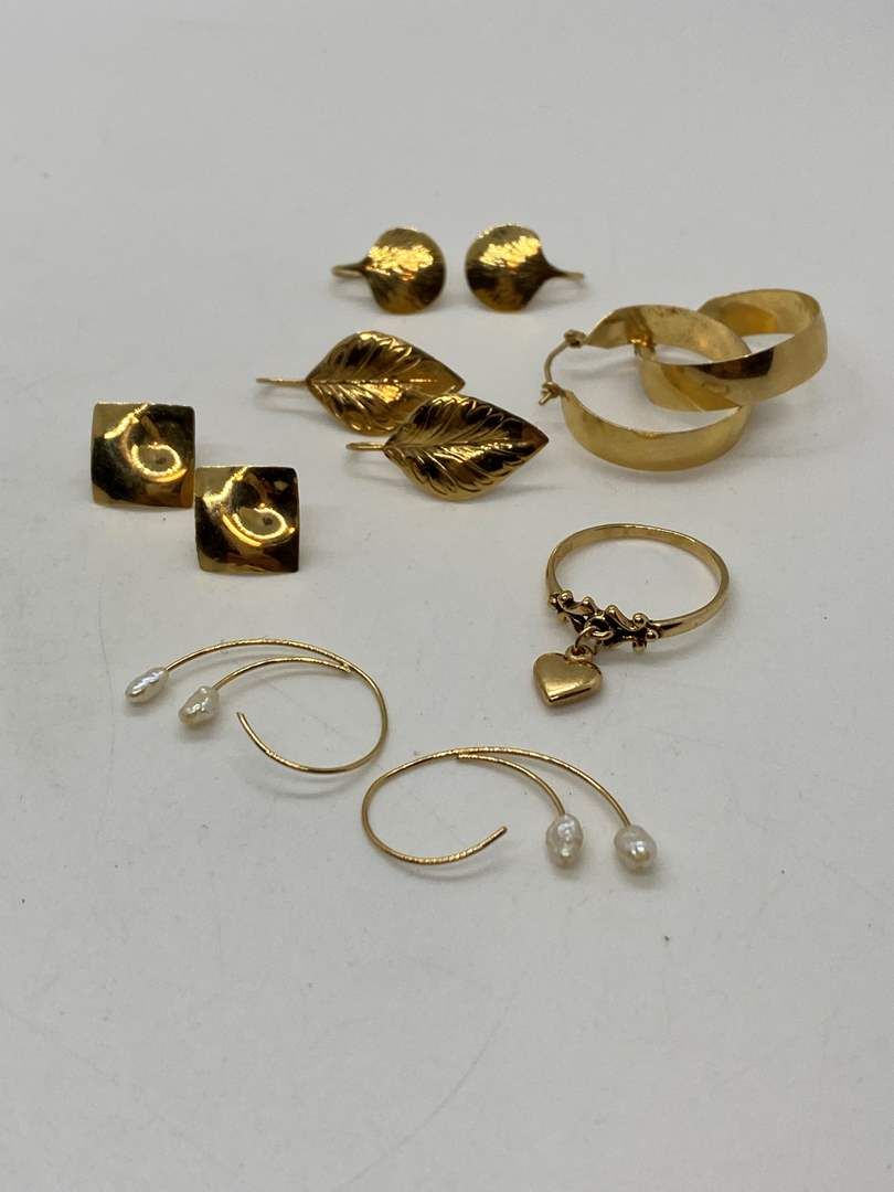 Lot # 195 - 14k Gold Hallmark Jewelry (10.0g) (main image)