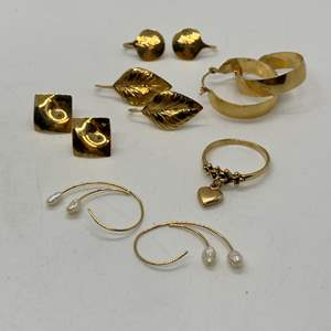 Lot # 195 - 14k Gold Hallmark Jewelry (10.0g)