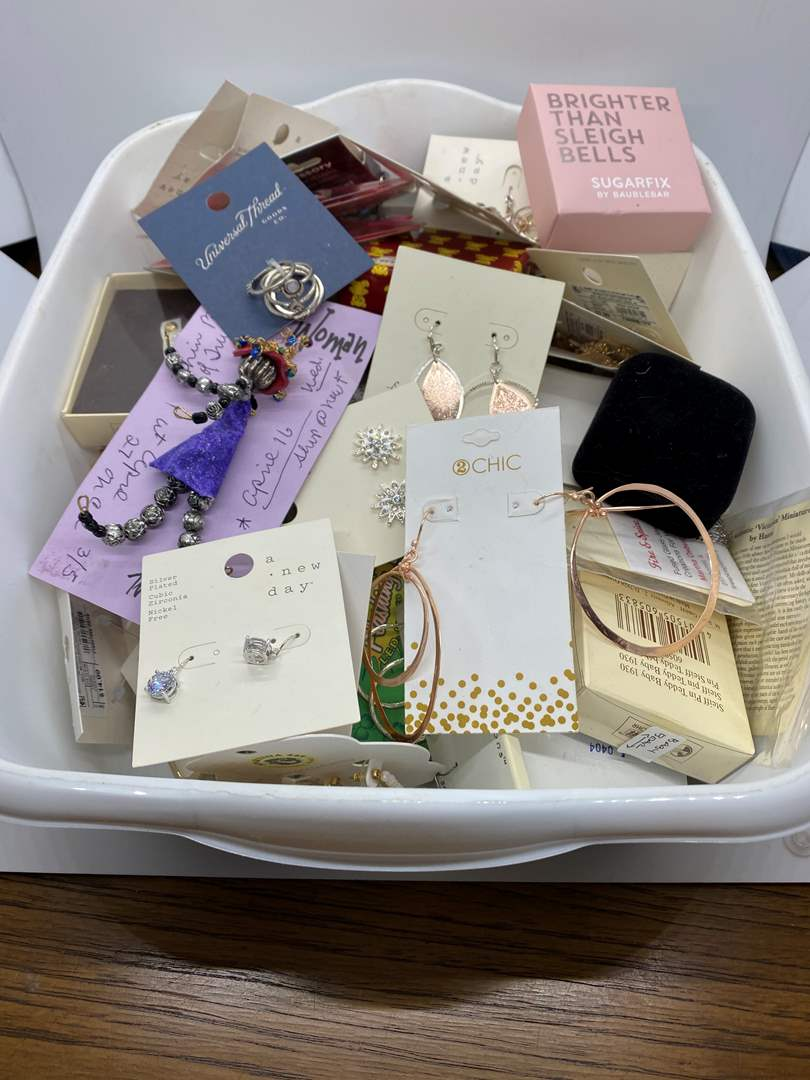 Lot # 220 - NEW-WITH-TAGS Jewelry (main image)