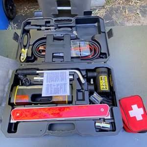 Lot # 256 - Michelin Emergency Roadside Tool Kit