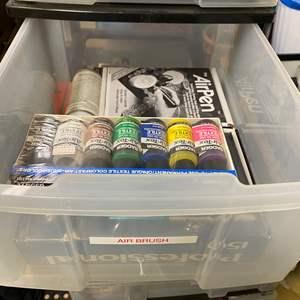 Lot # 258 - Air brush & supplies
