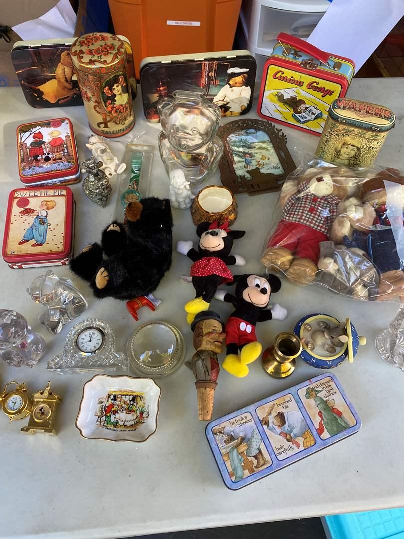 Lot # 275 - Collectibles  (main image)