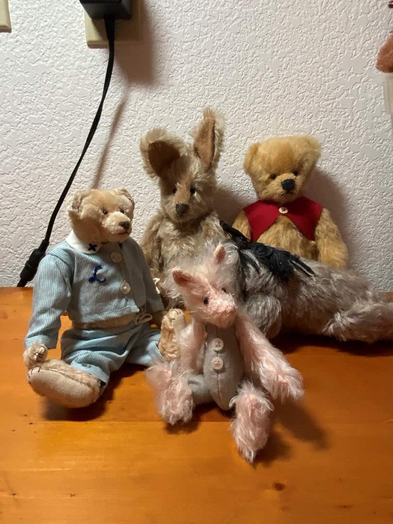 Lot # 283 - Vintage Winnie The Pooh Group & 2 Lyda's Bears (main image)