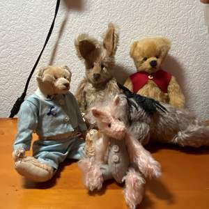 Lot # 283 - Vintage Winnie The Pooh Group & 2 Lyda's Bears