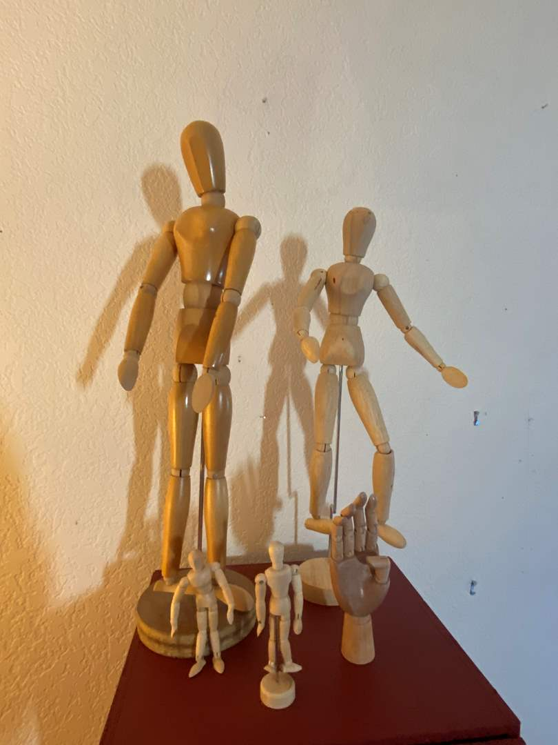 Lot # 291 - 5 Wooden Art Models with Movable Limbs (main image)