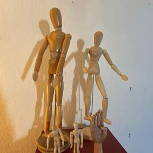 Lot # 291 - 5 Wooden Art Models with Movable Limbs