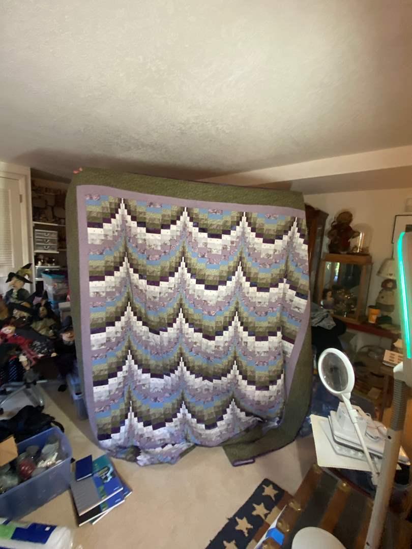 Lot # 298 - Handmade Quilt  (main image)