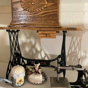 Lot # 322  - Mini Singer Sewing Machine and Decor Items