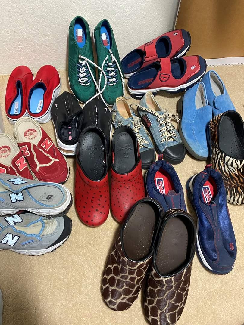 Lot # 347 - Shoes (main image)