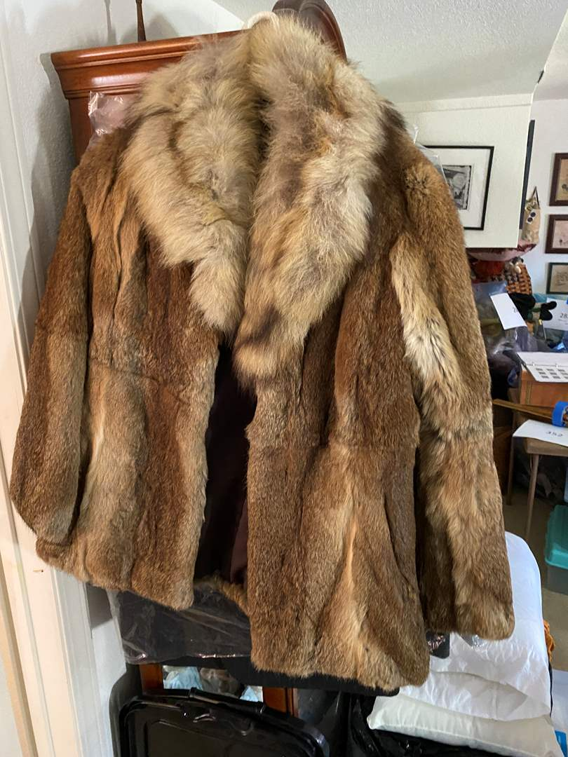 Lot # 352 - Fur Coat Size M (main image)