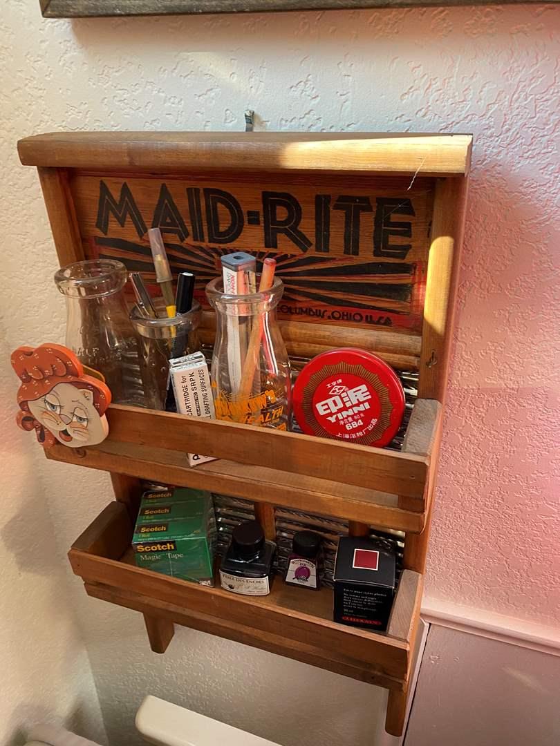 Lot # 382 - Vintage Washboard Shelf, Decor & Picture (main image)