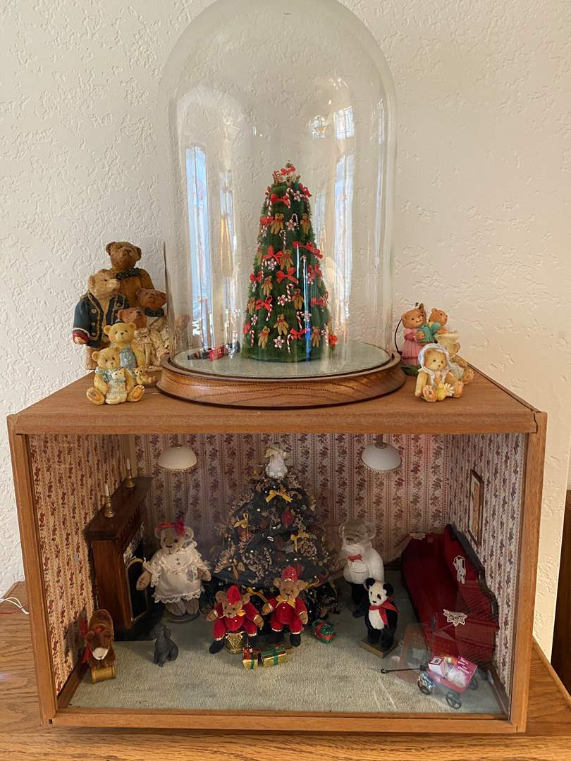Lot # 384 - Perfect Christmas Bear Diorama  (main image)