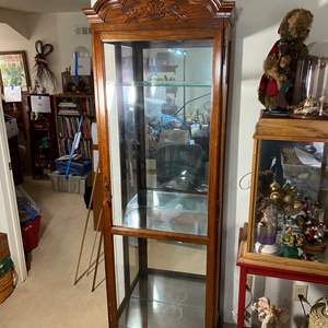 Lot # 390 - Display Case With Lock & Light