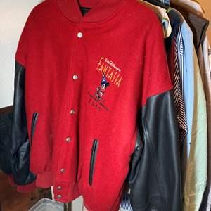 Lot # 459 - Disney Wardrobe