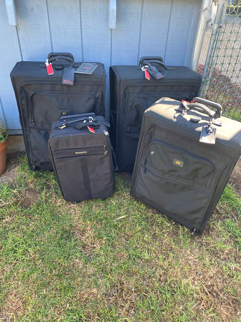 Lot # 570 - TUMI Luggage Three Pieces Plus One Samsonite (main image)