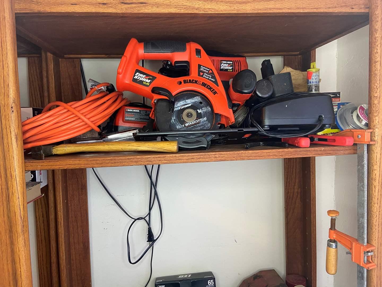 Lot # 499 - Tools (main image)
