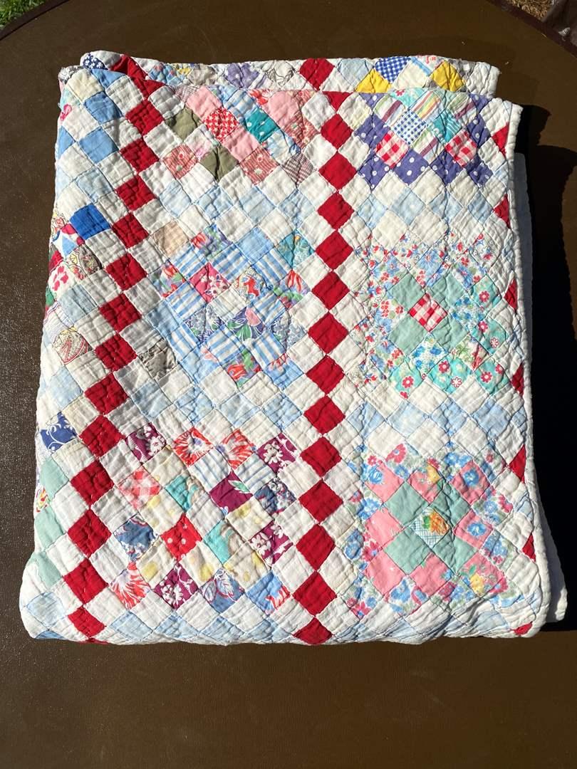 Lot # 593 - Handmade Quilt (main image)