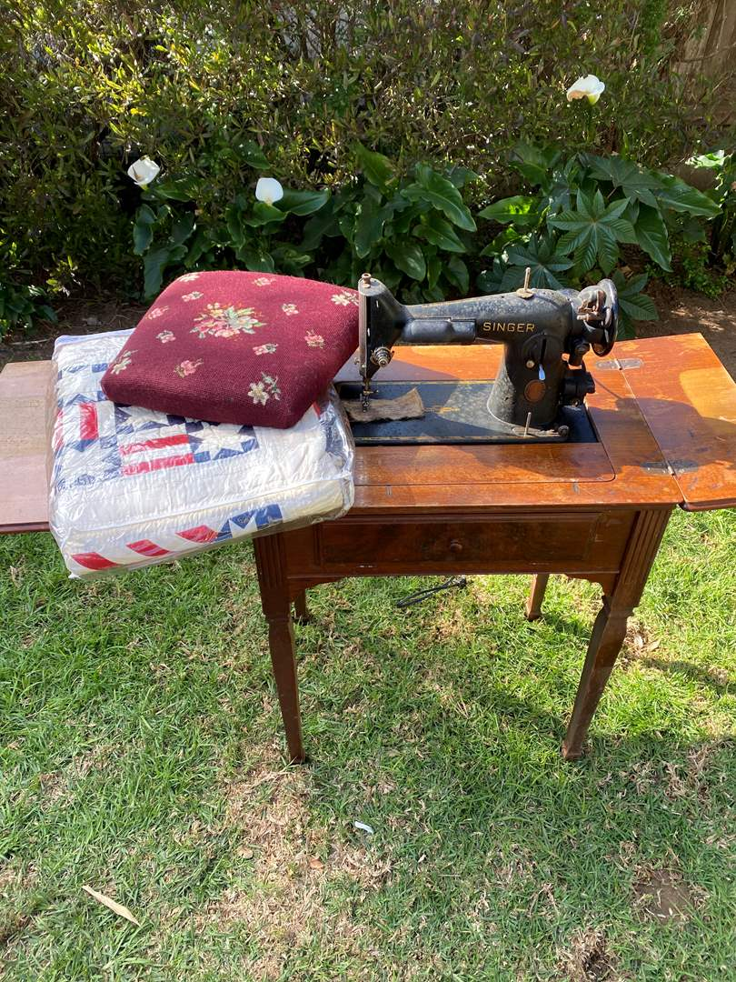 Lot # 597 - Antique Singer Sewing Machine, Quilt and Needlepoint Chair Seat (main image)