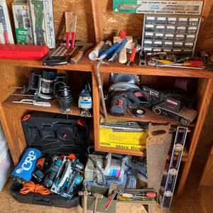 Lot # 601 - Books Shelf Full of Tools
