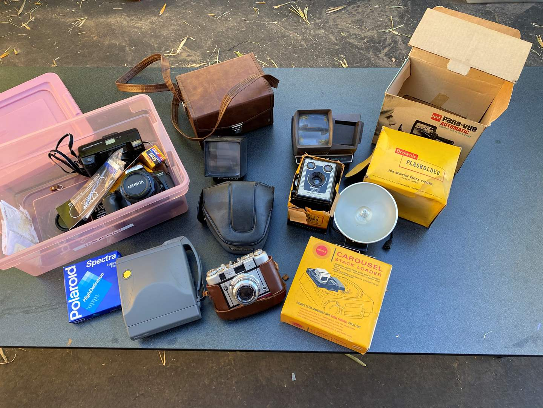 Lot # 493 - Vintage Cameras & Equipment  (main image)