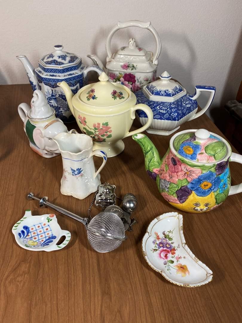 Lot # 644 - Tea Pots & Accessories (main image)