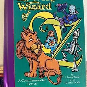 Lot # 28 - 6 Pop-up Books, Alice in Wonderland, Wizard of Oz and Christmas Books