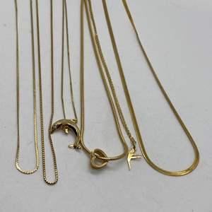 Lot # 133 - 14k Gold Hallmarked Necklaces & Charms (28.3g)