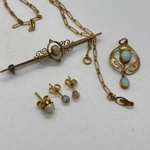 Lot # 137 - 9K Gold & Natural Opal Jewelry