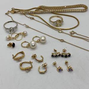 Lot # 197 - 14k Gold Hallmark Jewelry (34.40g total weight ) Stones are all CZ