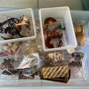 Lot # 271 - Miniatures