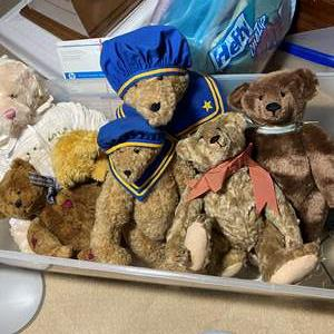 Lot # 353 - Large Tote with Three Oversized Bears and small ones