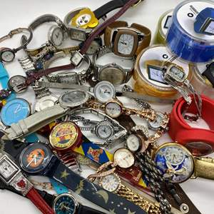 Lot # 427 - 32 Watches