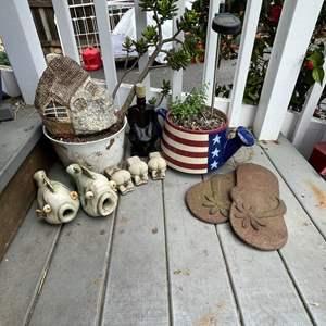 Lot # 521 - Yard Decor/ Patriotic Ceramic Decorative Pot